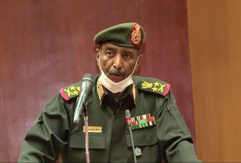 رئيس مجلس السيادة الإنتقالي القائد العام للقوات المسلحة : القوات المسلحة ستظل يدا واحدة مع الشعب